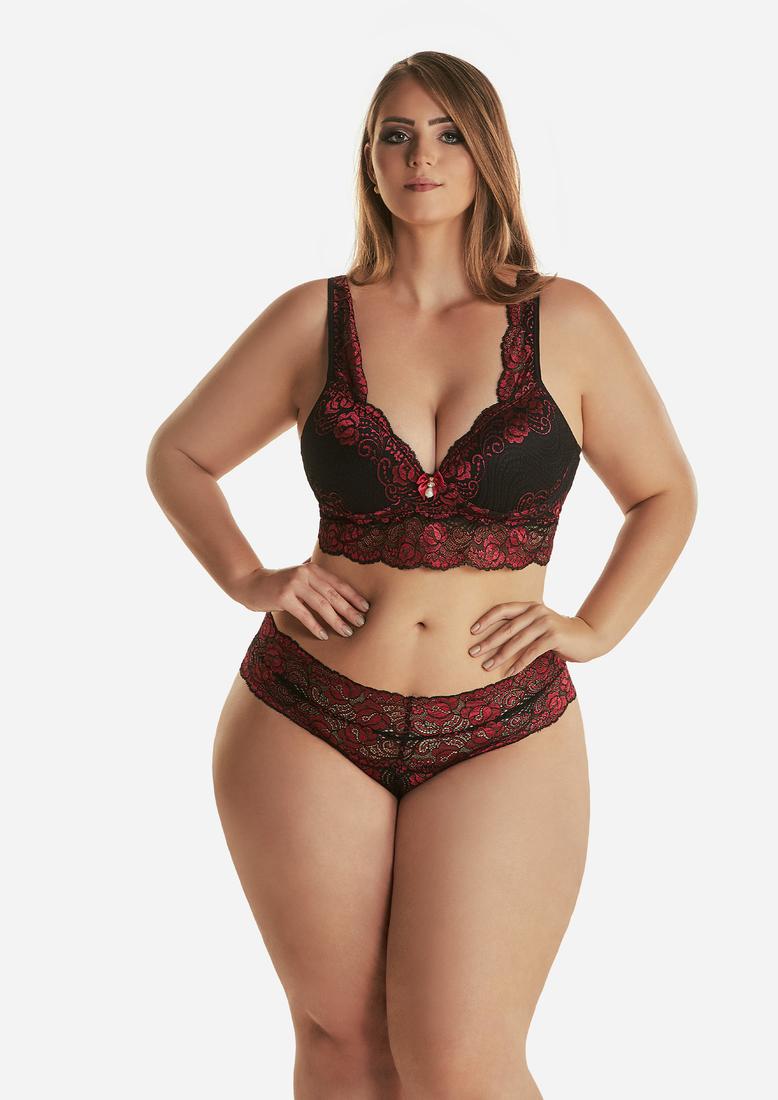 Nice curvy women in bikini