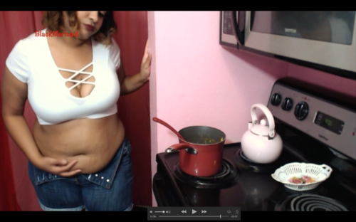 Screenshot for Lonely Housewife eats for Two