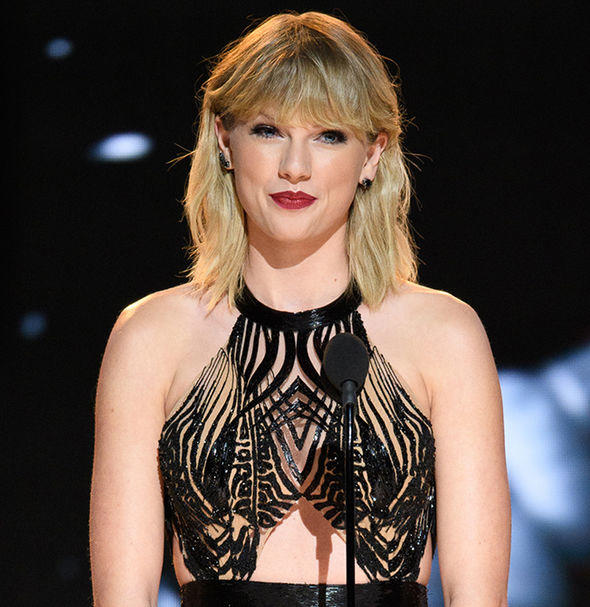 Taylor Swift's '1989' Tour Outfits — See Her Cool