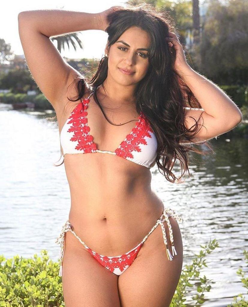 Is a cute Ayesha Perry-Iqbal nudes (68 photo), Pussy, Is a cute, Selfie, bra 2020